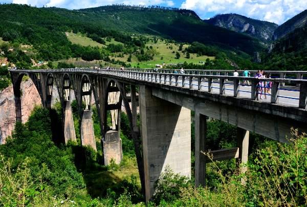 גשר ג'ורג'וביץ' מעל נהר טארה