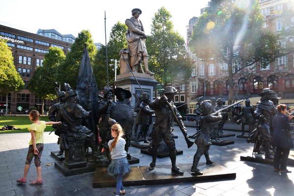 אמסטרדם, כיכר רמברנט