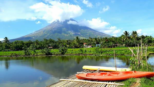 הר הגעש מאיון, אגם סומלאנג, ביקול, הפיליפינים