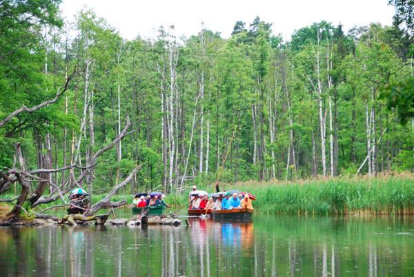 שייט על נהר קרוטוניה, אזור האגמים, פולין