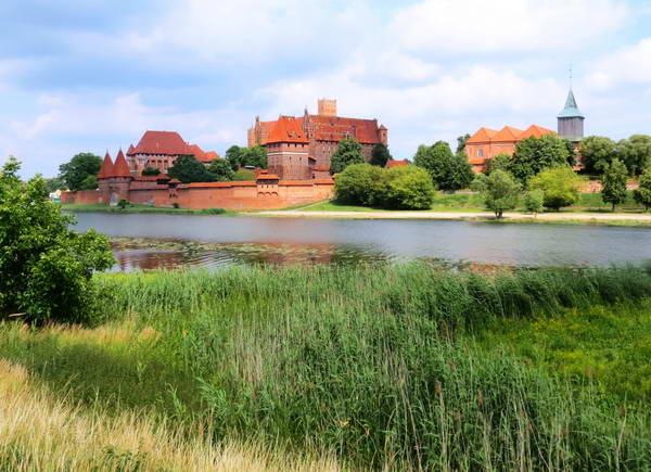 טירת מאלבורק, אזור האגמים, פולין