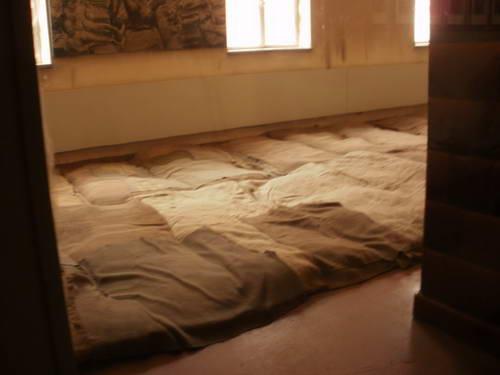 מיטות האסירים