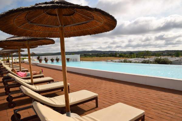 מלון אקורק, אלנטז'ו, פורטוגל