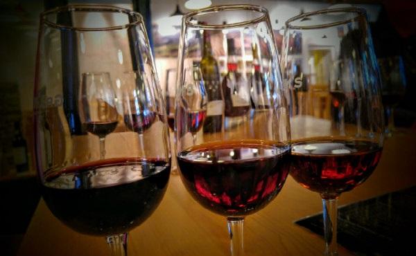 יינות פורט, טוניס ורוביס