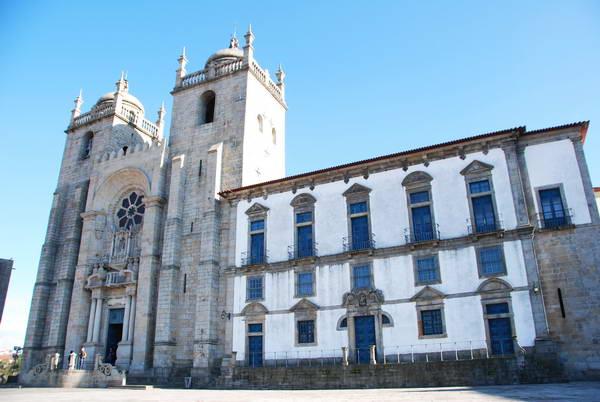 הקתדרלה של פורטו, ארכיטקטורה בפורטוגל