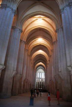 המנזר באלקובסה, ארכיטקטורה בפורטוגל