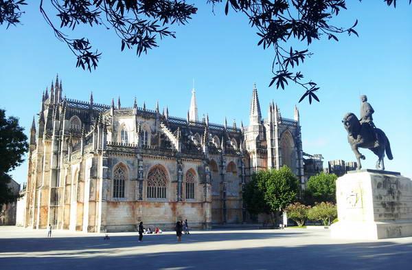 המנזר של בטאליה, ארכיטקטורה בפורטוגל