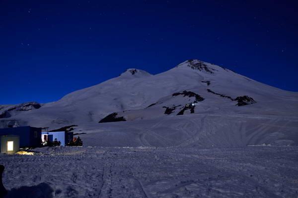 הר אלברוס, מחנה בקתות החביות