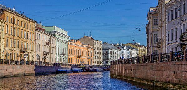 גגות ורחובות בסנט פטרבורג