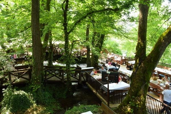 מערב סרביה, מסעדה על המפל
