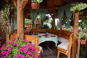 עמק המלכים, מסעדה מומלצת, סרביה