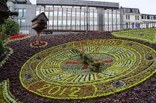 אדינבורו, סקוטלנד, שעון פרחים, גני פרינסס