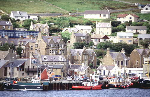 איי אורקני, נמל סטרומנס, מעבורת לסקוטלנד
