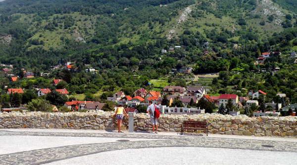 דווין, העיירה של הטירה