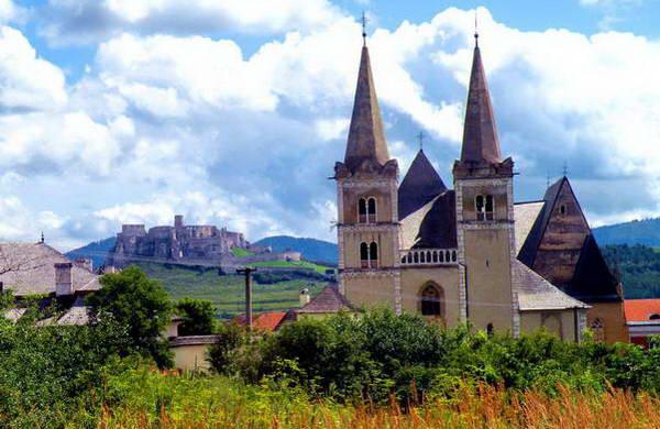 הקתדרלה של ספישקה קפיטולה ומצודת ספיש