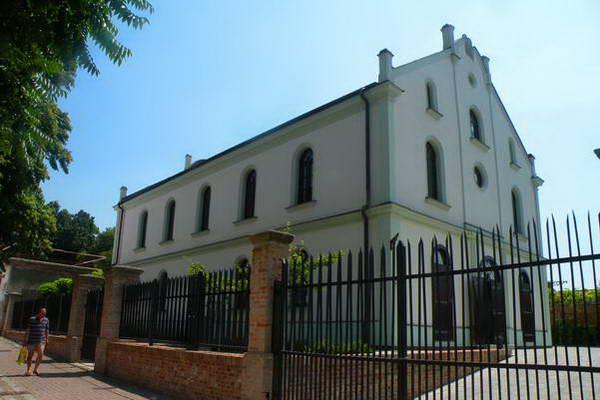 בית הכנסת האורתודוקסי טרנבה