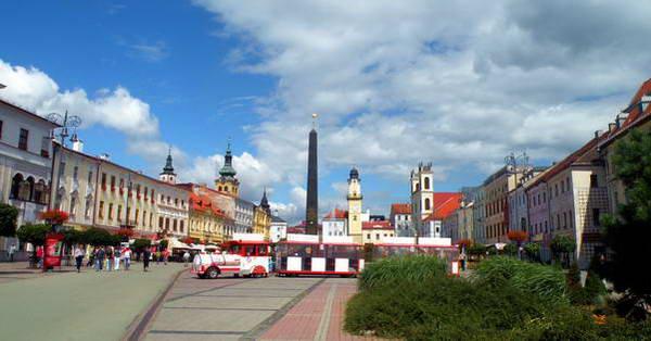 באנסקה ביסטריצה, בתי סוחרים עשירים משני צדי הכיכר המרכזית
