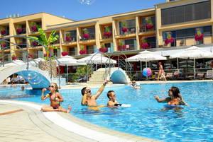 מלון מומלץ בפארק המים טרמה צ'אטז, סלובניה