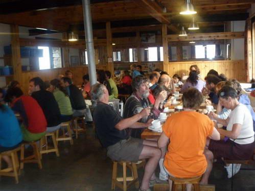 ארוחת ערב בבקתת אמיג'ס, שמורת אגואסטורטס