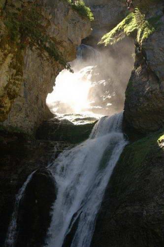 מפלים בשמורת אורדסה, הרי הפירנאים