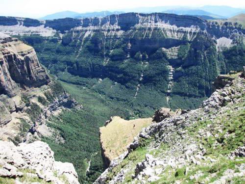 נופים בעמק אורדסה, הרי הפירנאים