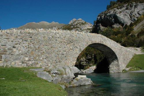 גשר בעמק בוחרואלו, ספרד