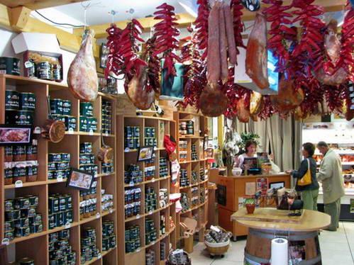 חנות מוזיאו דל חאמון, בשר חזיר משומר, ספרד