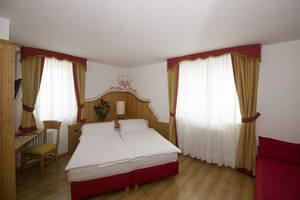 בתי מלון מומלצים ודירות באתר הסקי פאסו טונלה