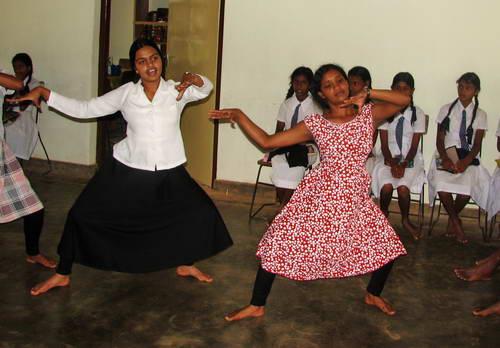 סרי לנקה, נערות בבית הספר