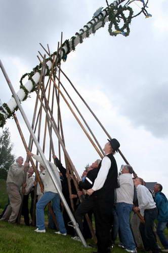 עמוד מייפול, חגיגות היום הארוך ביותר, שבדיה
