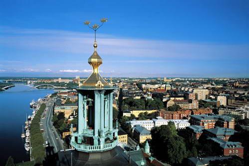 שלושת הכתרים, סמל שבדיה על מגדל בית העירייה של סטוקהולם