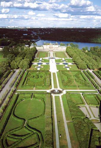 הגן בארמון דרוטנינגהולם