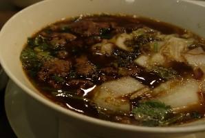 מרק אטריות ובשר