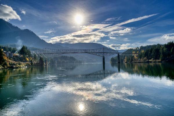 גשר האלים, נהר קולומביה