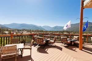 מלון בפארק הלאומי הרי הרוקי, גראנד לייק