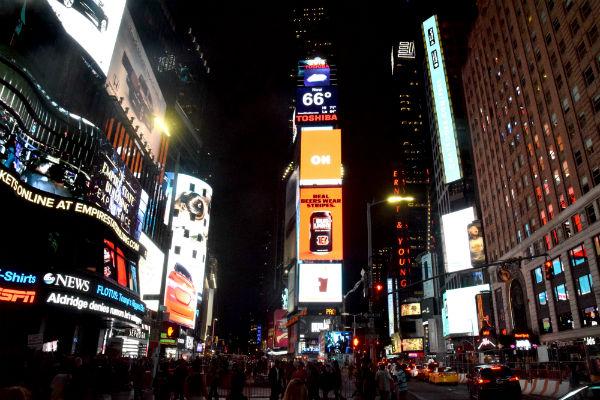 טיול לניו יורק, טיימס סקוור