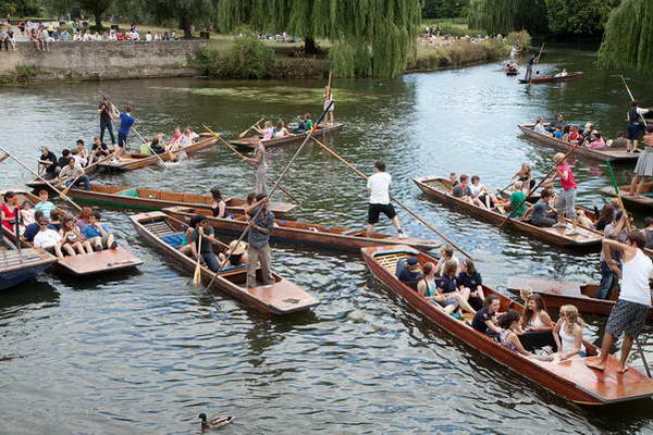 קיימברידג, סירות על נהר קאם, בריטניה