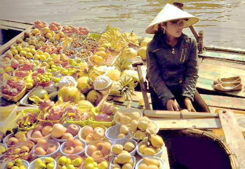 שוק הפירות הצף
