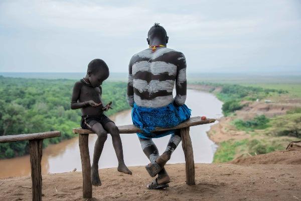 שבט קארו על נהר אומו, אתיופיה