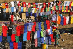 שוק בגדים לגדות הזמבזי