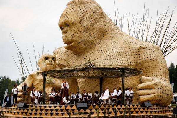 טקס השמות לגורילות הרים ברואנדה