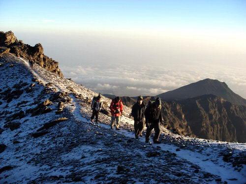 טיפוס על הר מרו, טנזניה
