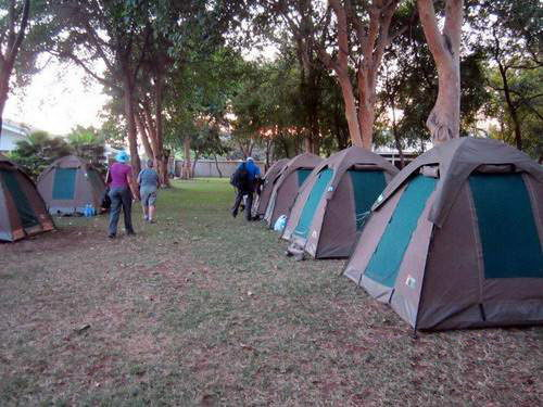 קמפ אוהלים, ספארי קמפינג בטנזניה