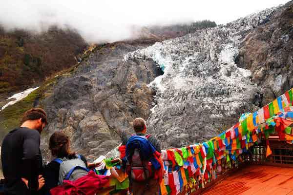 פיילאיסי, הר מילי המושלג, קרחון מיניונג, חבל יונאן, דרום סין