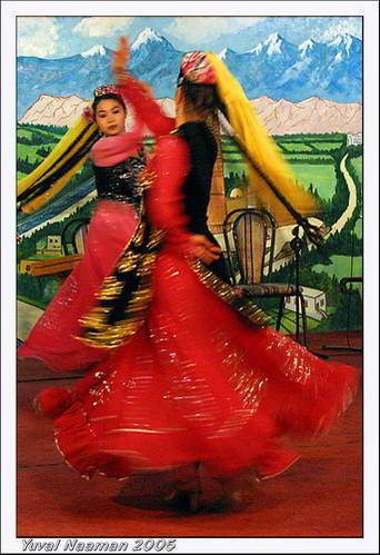 ריקוד מסורתי, שינג'יאנג