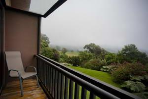 מלון ליד הר הגעש פואז ושדה התעופה של סן חוזה