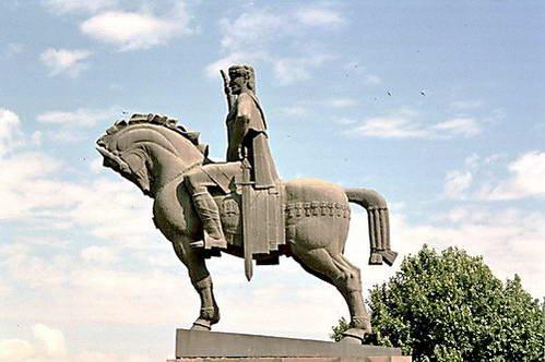 דויד הרביעי הידוע כדויד הבנאי, גאורגיה