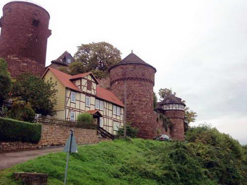 טירת טרנדלבורג - ההשראה לסיפור פעמונית, גרמניה
