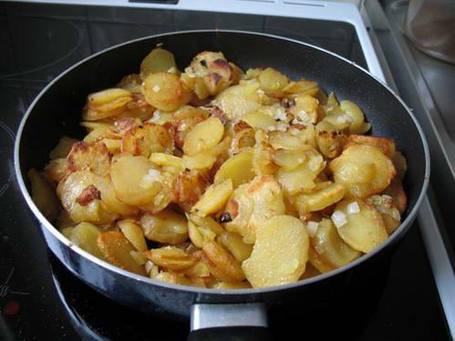 מגוון צורות של תפוחי אדמה בתפריטי המסעדות בגרמניה