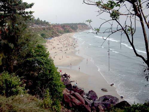 החוף של וורקלה - מצוק, חול וים